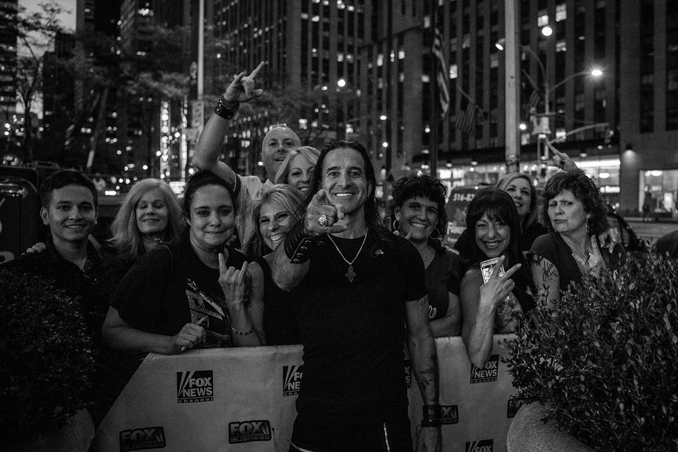 Scott Stapp with Fans at Fox and Friends